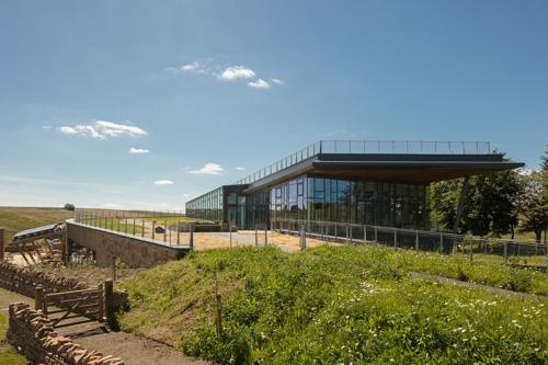Зеленият покрив на изследователски музей процъфтява