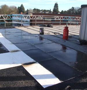 Изпълнител на покривни работи разкрива предимствата на Magply
