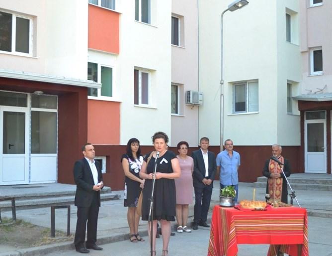 Зам.-министър Малина Крумова: Отчитаме сериозни спестявания на енергия и разходи за отопление в санираните блокове по националната програма