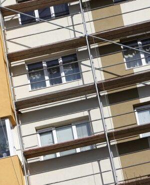 Липсата на работна ръка в строителството поставя под риск големите проекти