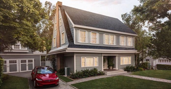 """Tesla започна серийното производство на """"слънчевите покриви"""" Solar Roof"""